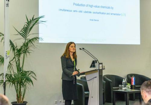 Slika 8. Prof. dr. sc. A. Slavica, Prehrambeno-biotehnološki fakultet Sveučilišta u Zagrebu iHrvatsko društvo za biotehnologiju, predsjednica.